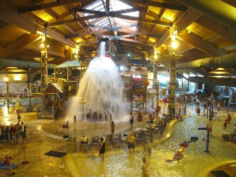 Clock tower show - Picture of Great Wolf Lodge Traverse City - Tripadvisor