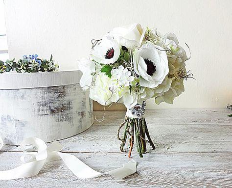 Bouquet Sposa Vero O Finto.Anemoni Rose Ortensie Viticci Muschio Spagnolo Sposa Bouquet