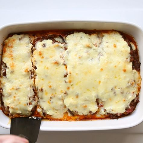 This healthy low carb eggplant lasagna recipe without noodles is quick and easy to make. Common ingredients + 20 minutes prep time!