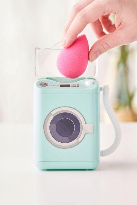 Beauty Sponge, Makeup Sponge, Mini Washing Machine, Beauty Blender Washing Machine, Washing Machine Cleaner, Clean Beauty, Beauty Skin, Brush Cleaner, Makeup Yourself