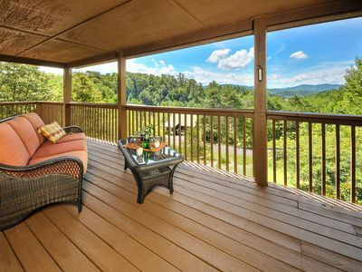 Private Quiet 2 3 Acre 2 King Master Suites Loft Serving As Third Bedroom Pigeon Forge Rental Home Decor Cabin Rentals House Rental