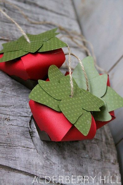 These chocolate covered paper strawberries are just the cutest paper craft I have seen in a while. I found the cutting file in the Silhouette online store and i…