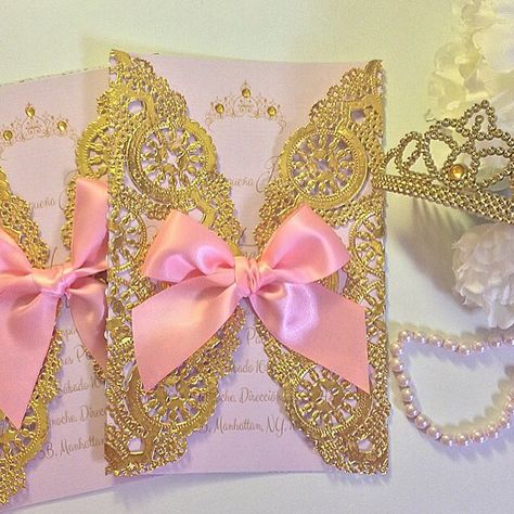 Princess Sarai  Royal Baby Shower Invitations / pink and gold / gold foil / crafting / customized cards / tiara / princess crown / baby girl  / princesa / invitaciones / dorado / oro  /  paper goods  / handmade cards /  handcrafted / rosa / doyle / doyle / doilies