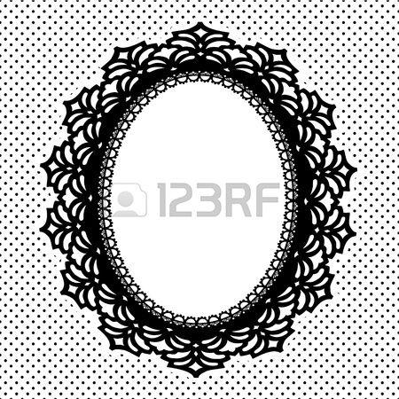 Vintage Lace Bilderrahmen oval Deckchen mit Tupfenhintergrund Kopie Raum Schwarz Wei  Lizenzfreie Bilder
