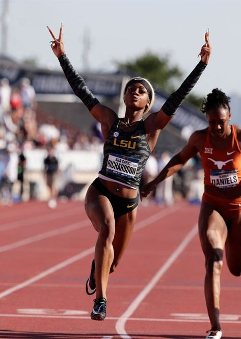 Sha'Carri Richardson Joins a Lineage of Black Track Stars Setting Records In Acrylic Nails Flo Jo, Beautiful Athletes, Athletic Girls, Track And Field, Female Athletes, Sport Girl, Black Girls, Fitness Inspiration, Olympics