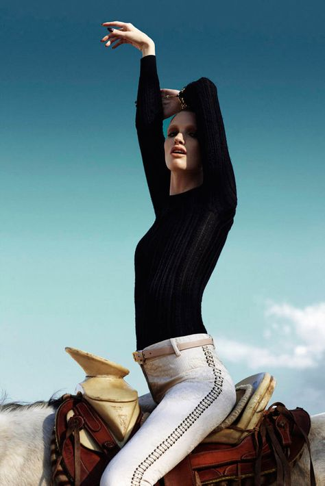 KARA ERWIN IS EQUESTRIAN CHIC FOR MARIE CLAIRE LATIN AMERICA BY VLADIMIR MARTI