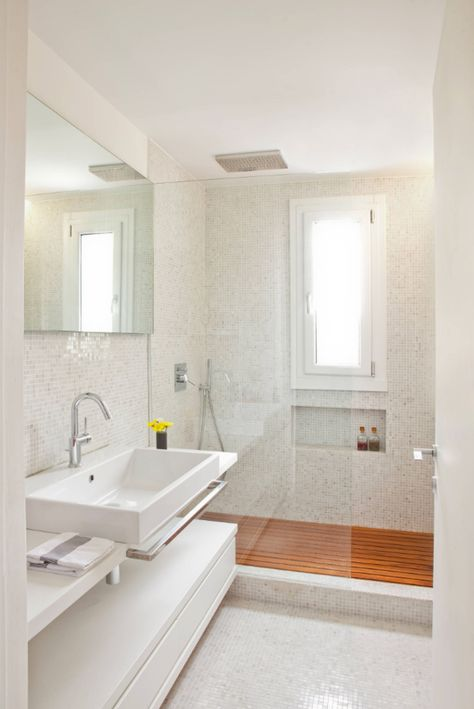 dusche vor fenster badezimmer einbauen installieren sichtschutz ...