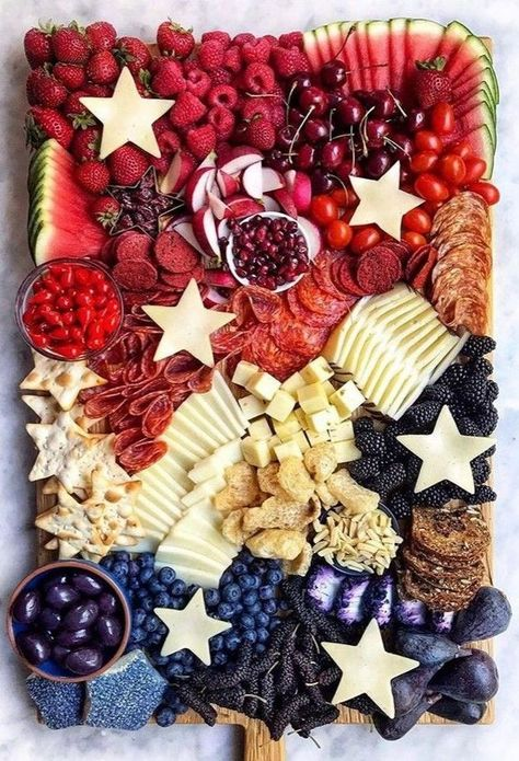 Fourth Of July Food, 4th Of July Celebration, 4th Of July Party, July 4th, Charcuterie Recipes, Charcuterie And Cheese Board, Cheese Boards, Brunch Bar, Party Food Platters