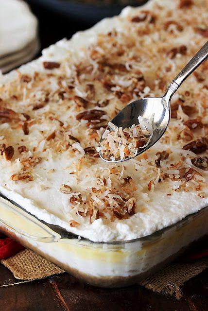 Coconut Desserts, Cold Desserts, Pudding Desserts, Coconut Recipes, Easy Desserts, Delicious Desserts, Coconut Cheesecake, Dessert Recipes, Layered Desserts