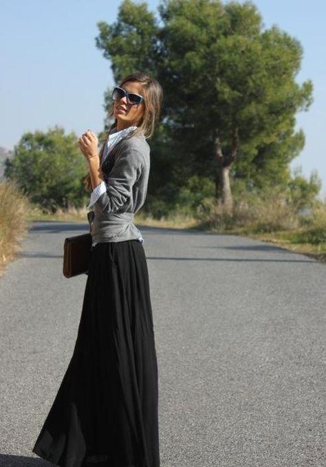 Maxi skirt, sweater, collared shirt