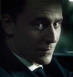 Pin by Savannah Edwards on Hot men | Tom hiddleston, Tom hiddleston