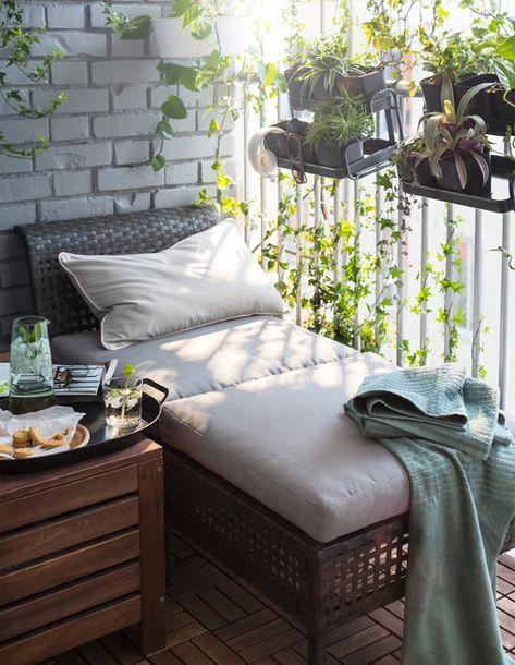 Mobili In Plastica Per Balconi.Un Piccolo Paradiso Verde Decorazione Balcone Dell Appartamento