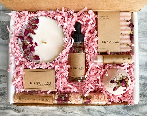 Bath & Beauty box Spa gift set for her Gift box for woman Gift Boxes For Women, Gift Sets For Her, Spa Gifts, Mom Birthday Gift, Birthday Woman, Gift Hampers, Beauty Box, Candle Making, Mother Day Gifts