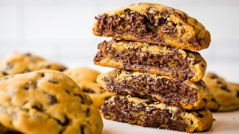 How to Make Bakery Style Chocolate Chip Cookies - YouTube