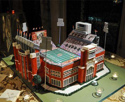 Incredible Oklahoma Sooners Football Stadium wedding cake in fondant ... #footballwedding