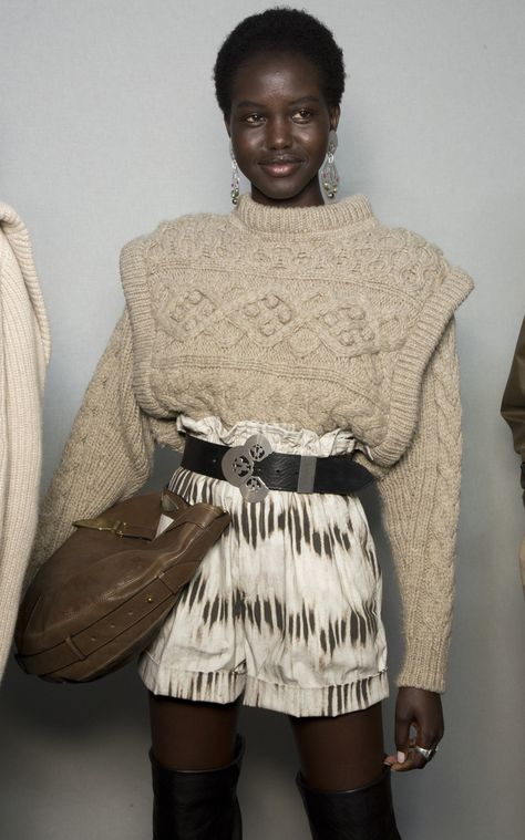 Get inspired and discover Isabel Marant trunkshow! Shop the latest Isabel Marant collection at Moda Operandi.