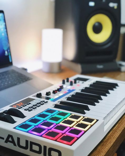 Are you looking for DJ equipment meant for sale that you want to purchase? Home Recording Studio Setup, Home Studio Setup, Music Studio Room, Audio Studio, Recording Studio Equipment, Studio Ideas, Home Music Rooms, Music Bedroom, Music Production Equipment