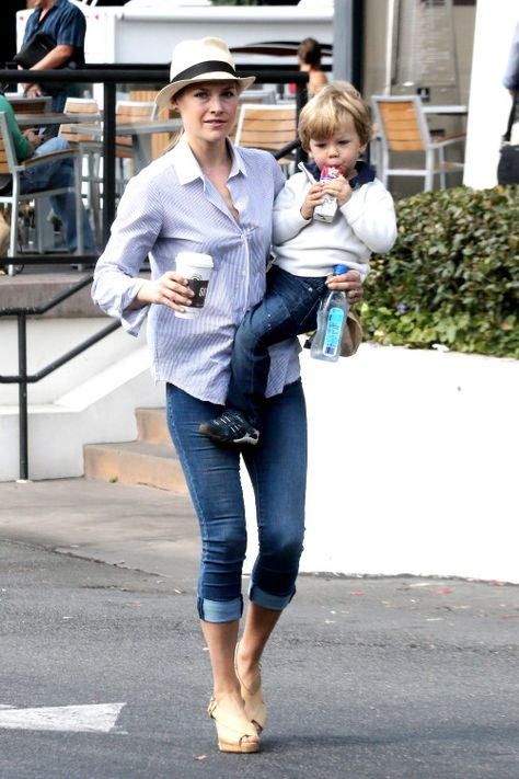 Ali Larter and Theodore get a boost at Coffee Bean & Tea