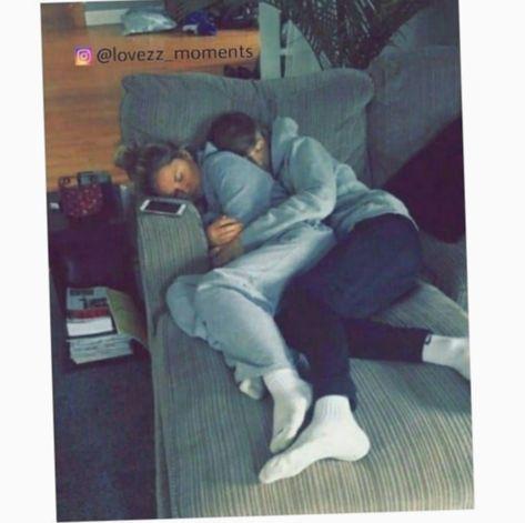 ✔ Couple Kiss Teenagers Posts #couple #coupledrawings #cute