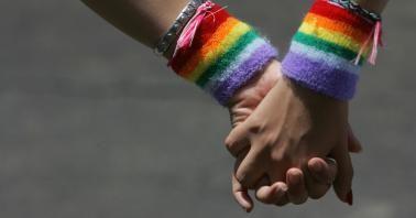 El 17 de mayo de 1990, la OMS eliminó la homosexualidad de la lista de enfermedades mentales. Para conmemorar este hecho, cada 17 de mayo se celebra el Día Internacional contra la Homofobia y la Transfobia.Sin embargo, a 26 años del cese de tan vergonzosa concepción de la homosexualidad por parte de la co