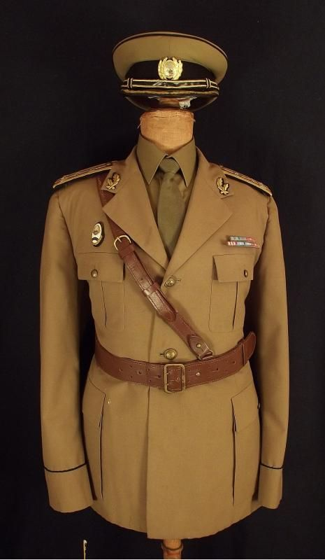 Romanian People's Army engineering officers' summer service uniform.