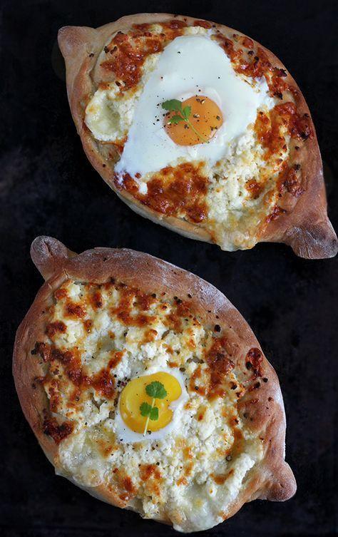 Gruzinskie Chlebki Chaczapuri Z Jajkiem Smakowity Chleb Recipe Georgian Food Cooking Recipes Foodie