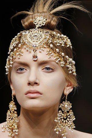 Alexander McQueen Fall 2008 Ready-to-Wear Fashion Show Details