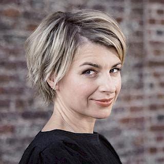 Sabine Heinrich Ecosia In 2020 Frisuren Promis