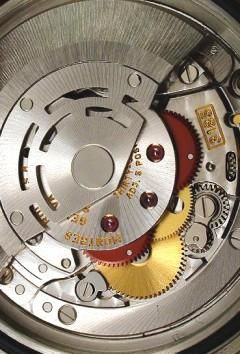 Calibres Y Movimientos Rolex La máquina de un Reloj Rolex Oyster está formada por más de 220 componentes. Una auténtica obra de arte en la que la maestría relojera y la búsqueda de la perfección quedan latentes en cada una de sus piezas
