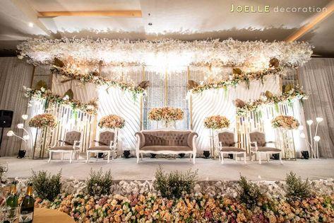 Modern Glamour Wedding Decoration  #ModernGlamourDecoration  #CustomDesign  #Masterpiece  Venue @thevidaballroomofficial  Contact us  WA : 08176670477 (Silvia) / 087882850416 (Frank)  Phone : 089619183662 (Silvia) / 089627887846 (Frank)  Email : decor.joelle@gmail.com  Website: www.joelledecoration.com  Review @theBridestory n @Weddingku  #wedding #thebridestory #dekorasipernikahan #weddinginspiration#weddingvendor #weddingideas #weddingku #weddingtangerang  #bridestory #dekorasipelaminan3D #dek