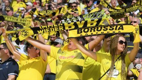 Kommentar Dortmund Spielt Mit Dem Feuer Fans