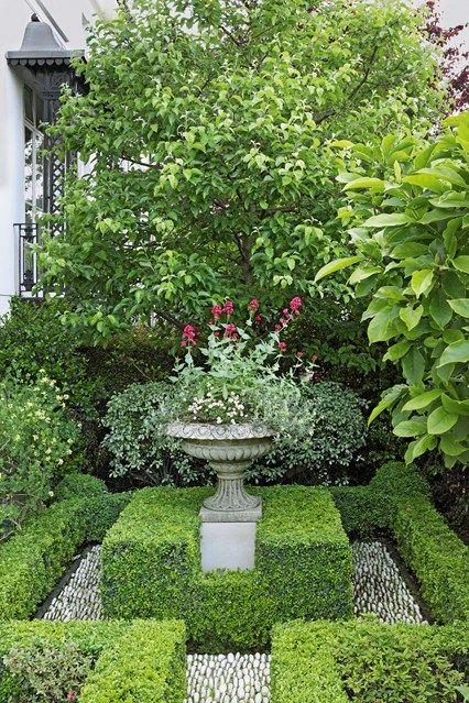 London Villa: Box Hedges | English garden design, English gardens and  Gardens