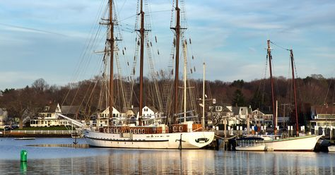 Find the perfect Connecticut field trip for school, scout, camp, and homeschool groups or plan a family outing with the Field Trip Directory.