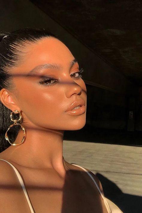 Twist And Shout Earrings Gold Soft Glam Makeup Black Women earrings gold Shout Twist Glam Makeup, Baddie Makeup, Skin Makeup, 90s Makeup Look, Casual Makeup, Soft Makeup Looks, Pretty Makeup, Black Makeup Looks, Twist And Shout