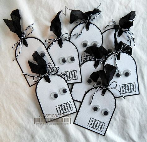 (might be fun to make for candy holders.) Chick-n-Scrap: Anything Halloween Challenge Scrapbooking Halloween, Halloween Paper Crafts, Halloween Tags, Holidays Halloween, Holiday Crafts, Halloween Decorations, Halloween Treat Holders, Halloween Ribbon, Halloween Stuff