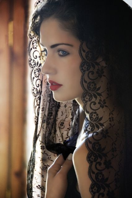 Pin By Lavelle Hatton On Black Lace Spanish Woman Beauty Portrait