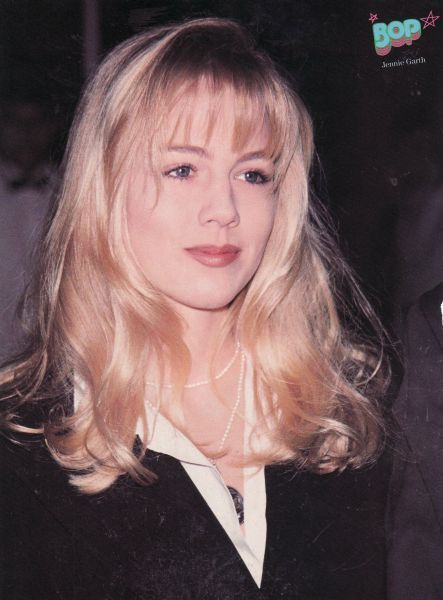 Jennie Garth was one of my top female crushes back in the day, she's the only reason I watched 90210 :P