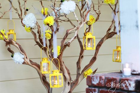 Bumble Bee Party love the yellow lanterns