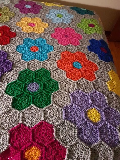 Mood Blanket WIP by the lovely Angie of Le monde de Sucrette