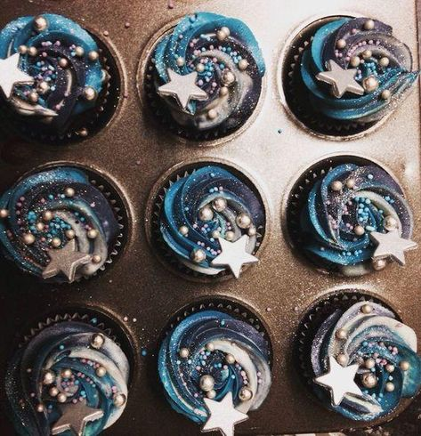Moon and stars cupcakes . - Simone Schmidt - Moon and stars cupcakes . Moon and stars cupcakes More - Wedding Cupcakes, Birthday Cupcakes, Birthday Party Themes, Party Cupcakes, Baking Cupcakes, Birthday Ideas, 2nd Birthday, Sweet 16 Cupcakes, Cake Party