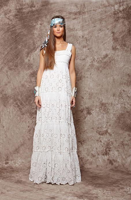 245ded295c0 Vestido blanco largo troquelado - 215,00€ : Zaitegui - Moda y ropa de marca  para señora en Encartaciones | Boho & Gypsy en 2019 | Vestidos largos, ...