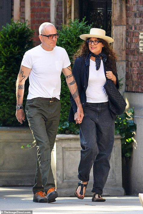 Daniel Day-Lewis holds hands with glamorous wife Rebecca Miller | Daily Mail Online