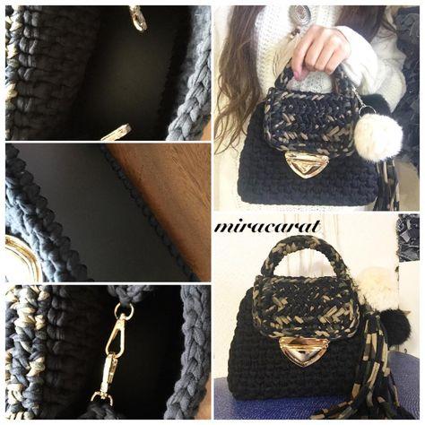 aknit 22時頃から販売の、ブラック×カモフラハンドバッグです。編み...