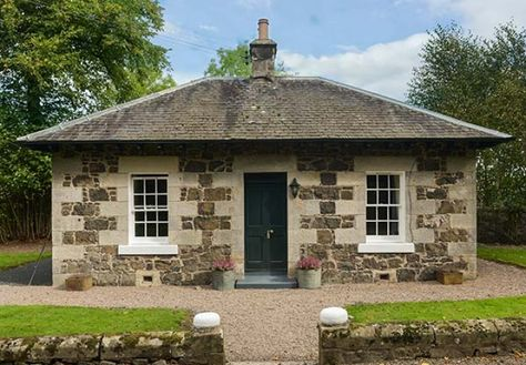 holiday let in auchtermuchty fife holiday cottages perfect for a rh pinterest com au
