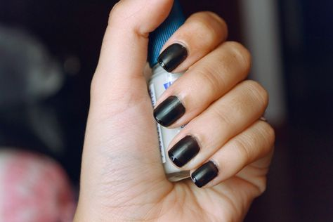 The Tiny Adventures of Kiri: Loving Matte Nails {35 days}