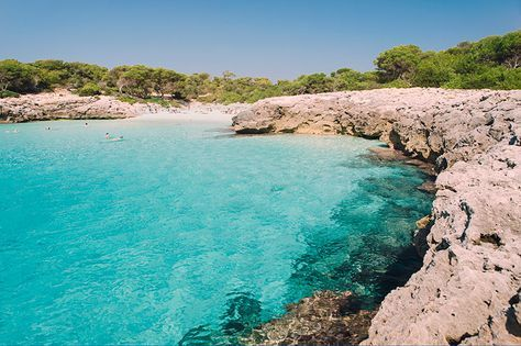10 Calas Y Playas De Menorca Que No Hay Que Perderse Los Apuntes Del Viajero Calas Menorca Playas España Menorca