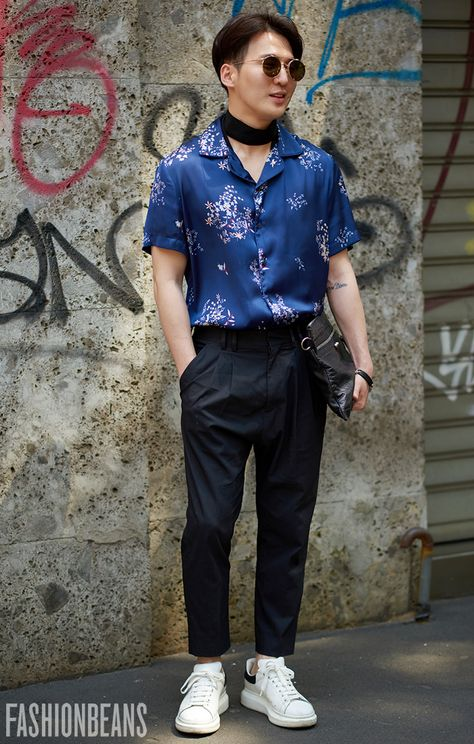 Street Snaps! Random Spring 2017 Street Style Inspirations.   Follow rickysturn/mens-casual for more Trending Men's Fashions