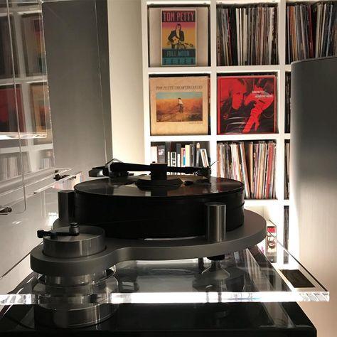 recordplayer R.I.P Mr. Petty😢 #nowplaying...