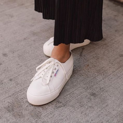 Another white sneakers outfit 😍 #superga #sneakers #whitesneakers #whitesneakersoutfit #platformsneakers #leathersneakers #sneakersoutfit #ootd