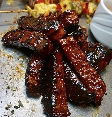 Thee absolute best vegan ribs and yes I said thee. Fire up the grill and whip these up on a nice hot summer day! Vegan Meat Recipe, Vegan Dinner Recipes, Vegan Recipes Easy, Cooking Recipes, Vegan Soul Food Recipes, Vegan Foods, Vegan Dishes, Vegan Vegetarian, Vegetarian Recipes